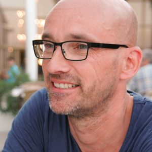 Manfred Tubach farbig 300 dpi 300x300 1